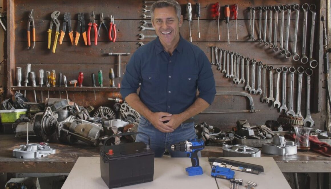 A man that explains how to Battery reconditioning